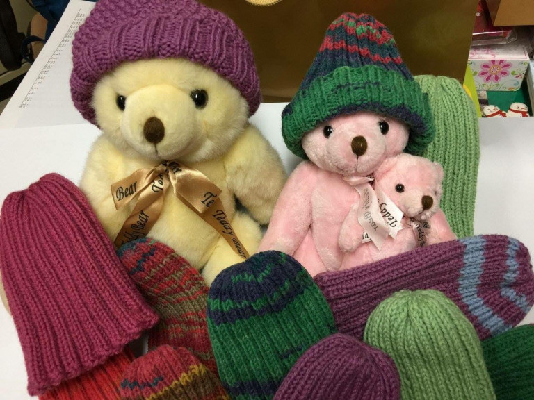 招集愛心奶奶、媽媽手工編織毛線帽